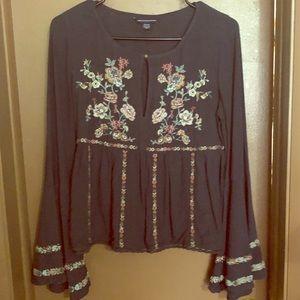 American Eagle bohemian flower cropped blouse
